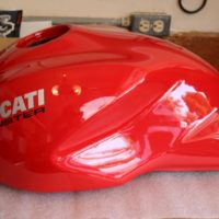MONSTER 821 GAS TANK RED
