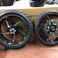 "HD ""Agitator"" bagger wheels w/ rotors & tires"