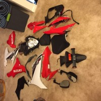 2011-2015 gsxr 600 complete stock fairing red and black and white